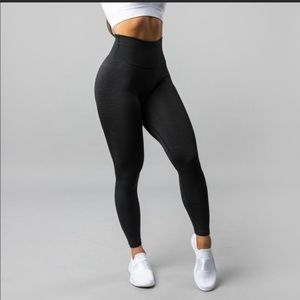 Alphalete Halo leggings